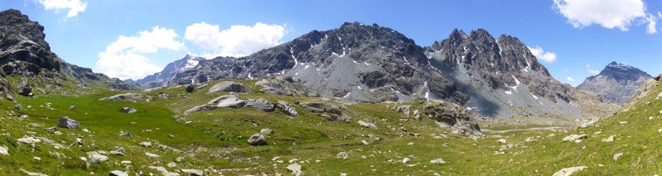 Rocce lisciate dai ghiacci in val Confinale