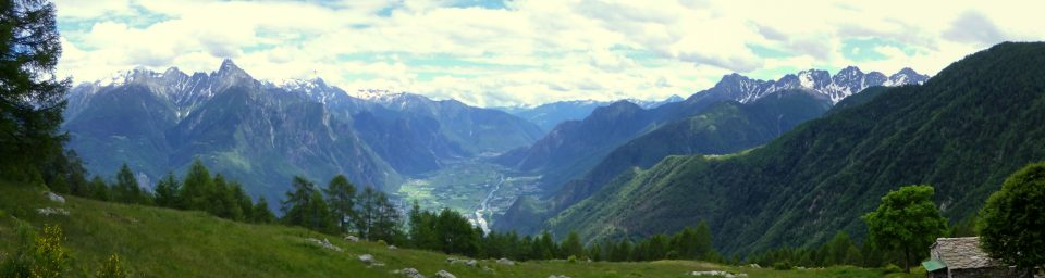 Vista sulla bassa Valchiavenna da Buglio